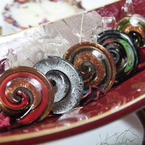 """Čekiško stiklo pakabukas """"Spiralė"""""""