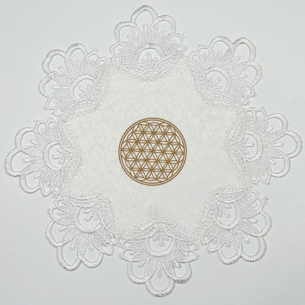 """Balta servetėlė """"Gyvybės gėlelės mandala"""" -1"""